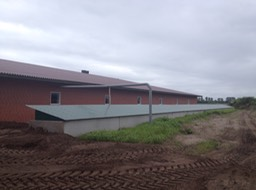7-7-Clarcor filtered weaner barn during building